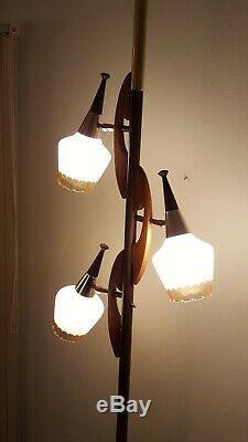 Vtg Mid Century 3 Way Tension Pole Floor Lamp 3 Light Retro Glass Shades Tulip