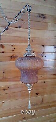 Vtg Mid Century Retro Hanging Swag Light/Lamp Amber Crackle Glass Design